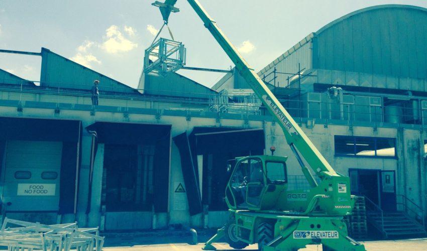 Cantiere metro casch and carry pozzuoli ralizzazione di passerella in carpenteria per lavori di manutenzione ordinaria e straordinaria cupola centrale